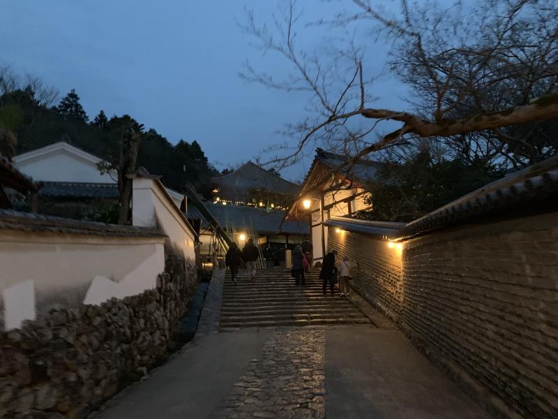 夕暮れ時の二月堂裏参道